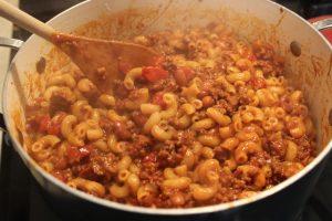 Piping hot one pot chili mac