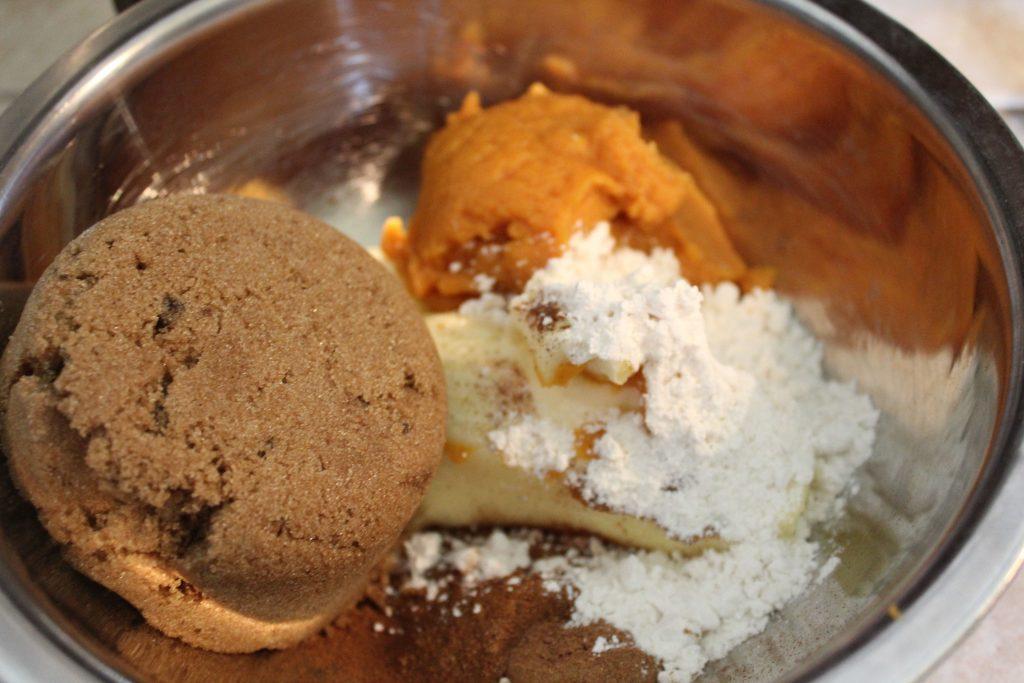 Mixing of cinnamon mixture