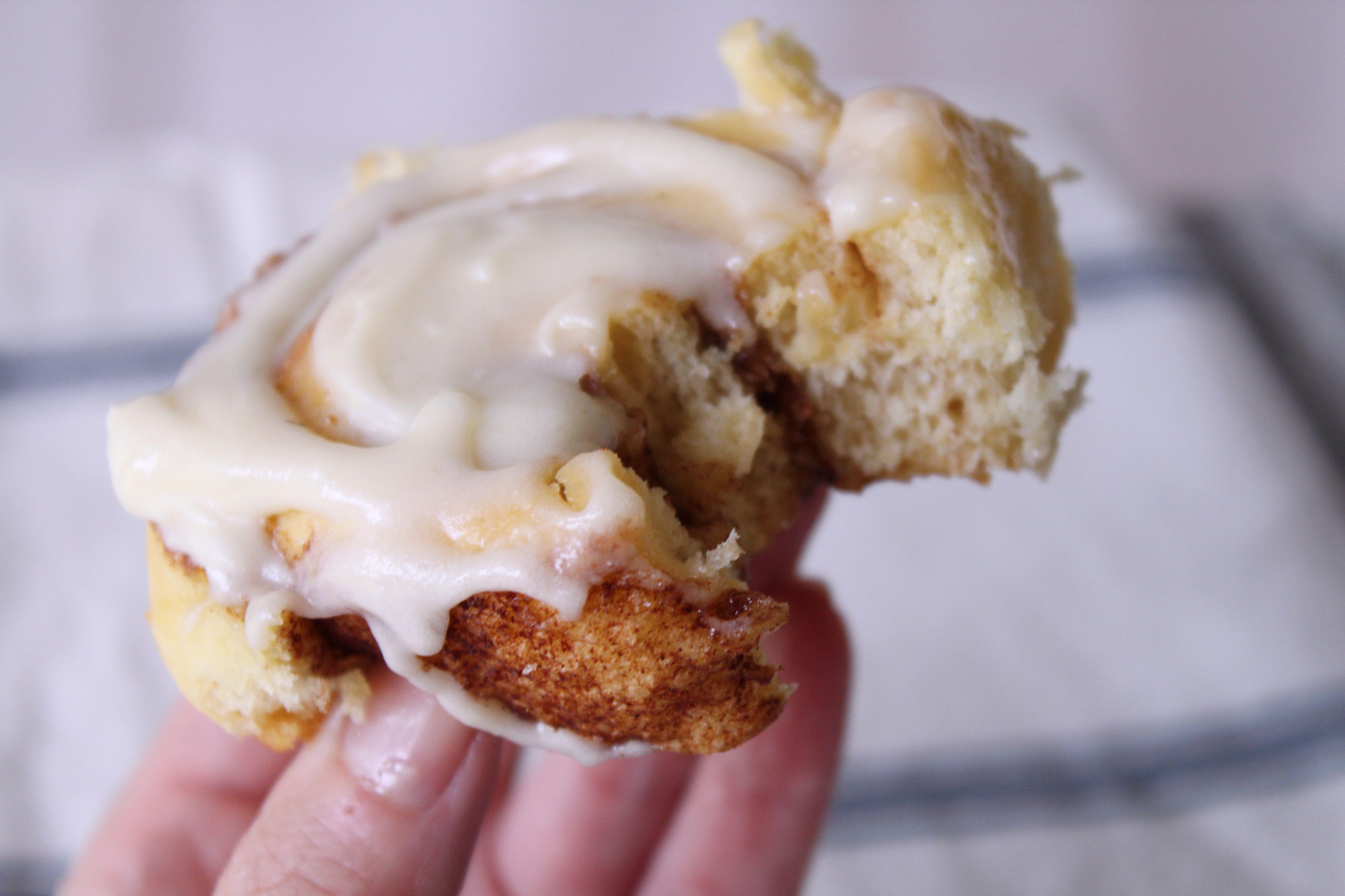 Cream Cheese Cinnamon Roll Frosting