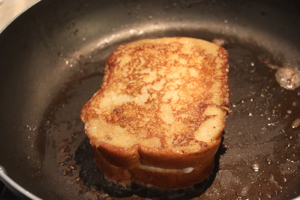 french toast sandwich cooking
