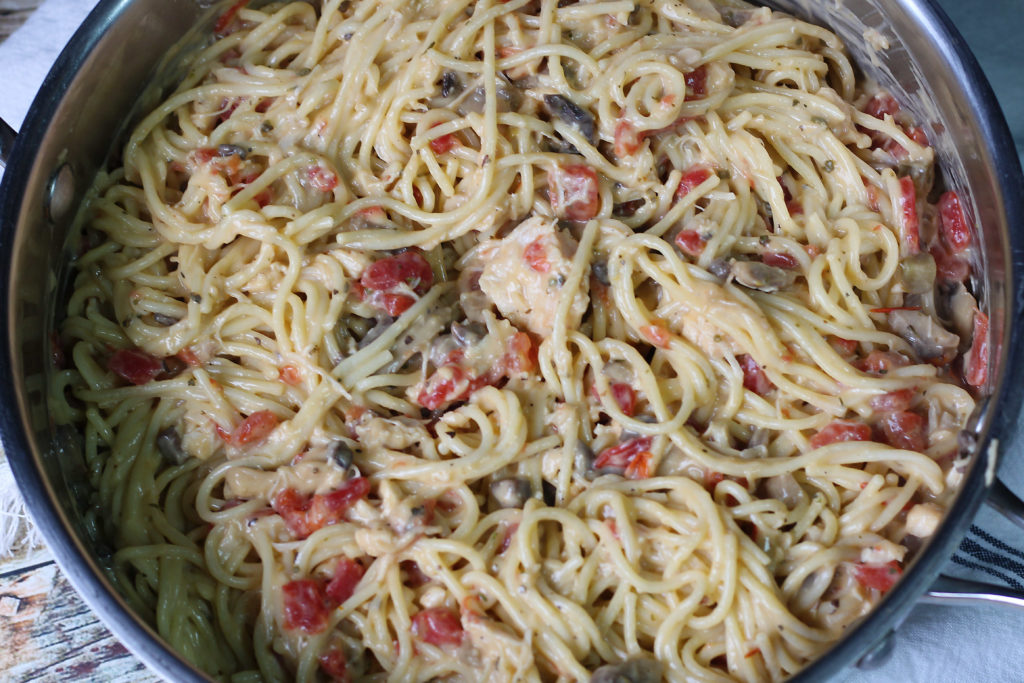 Chicken Spaghetti combined in pot